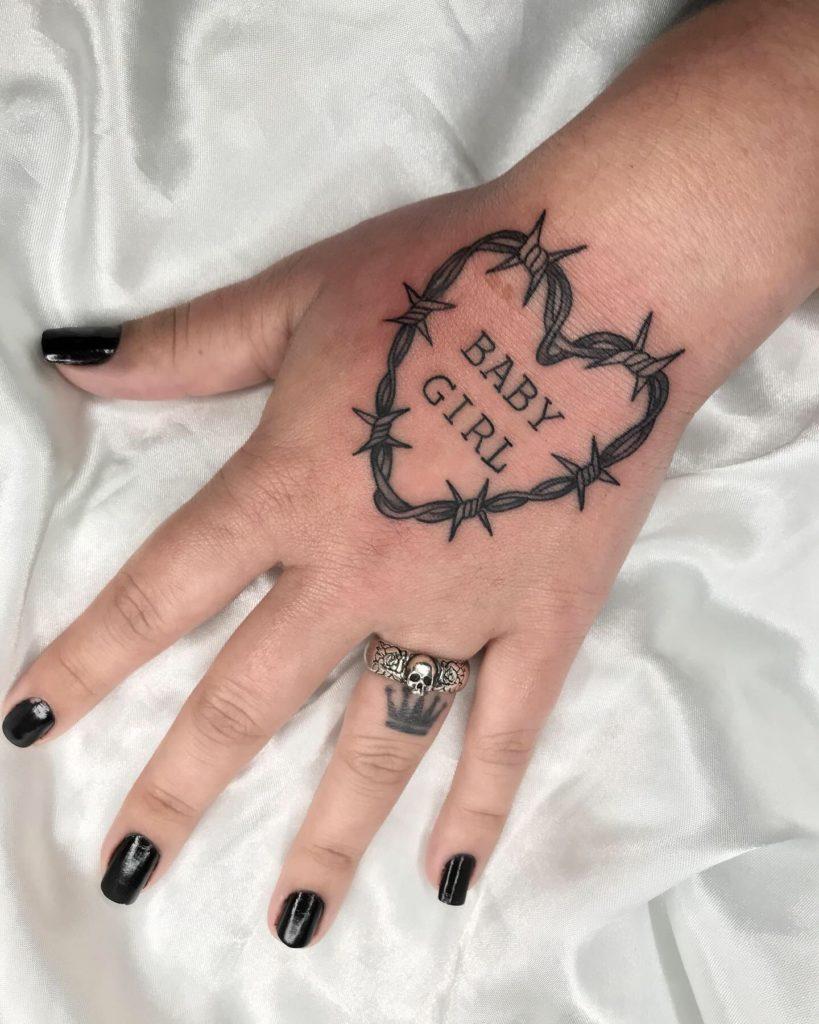 Foto de tatuagem feita por Gabriela Ink (@gabrielaaink)