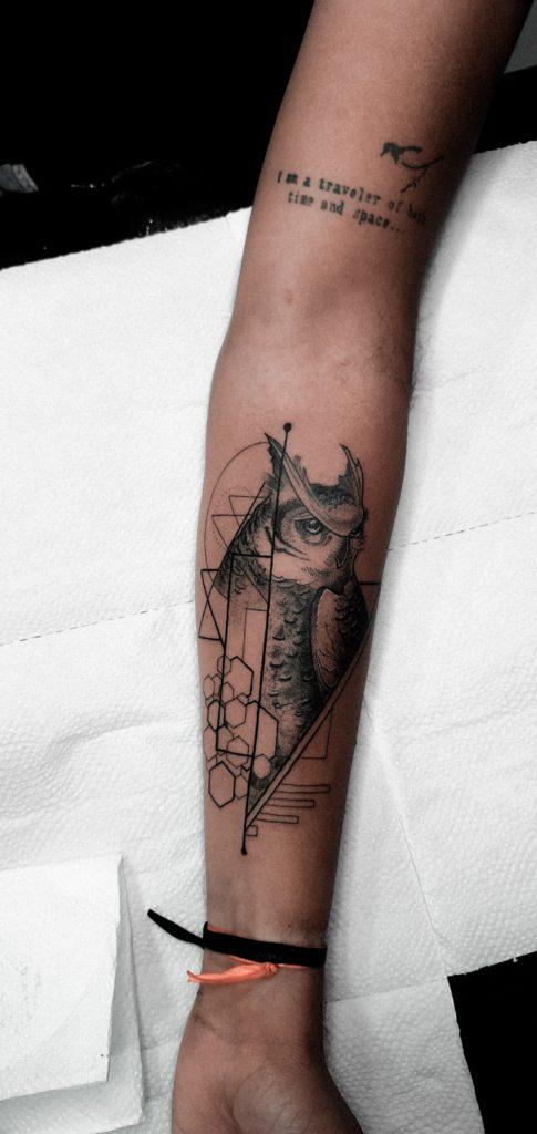 Foto de tatuagem feita por Mana Black Tattoo (@manablacktattoo)