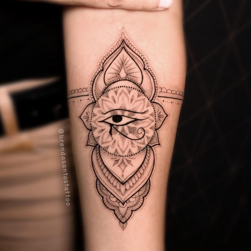 Foto de tatuagem feita por Brenda Santos Tattoo (@brendasantostattoo)