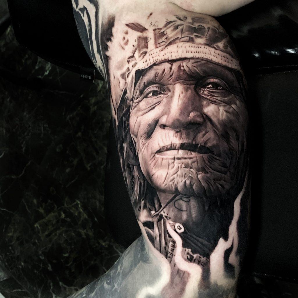 Foto de tatuagem feita por Rafael cassaro (@rafaelcassaro)