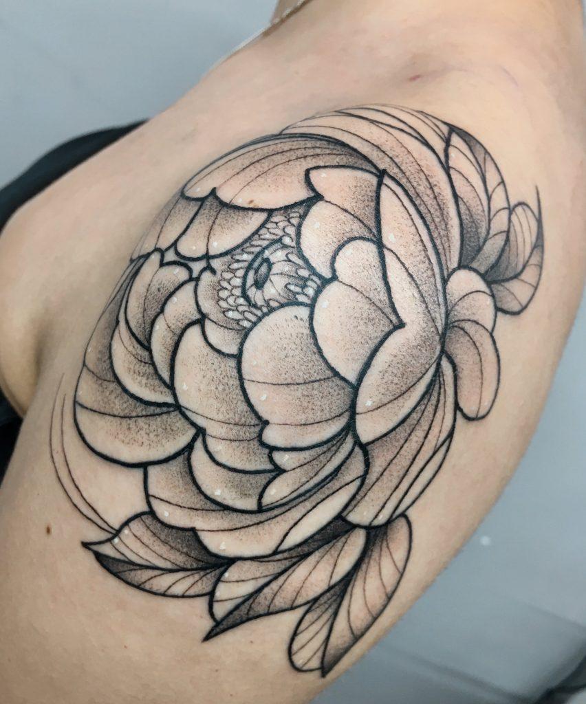 Foto de tatuagem feita por Fernanda Napolitano (@napolitanotattoo)