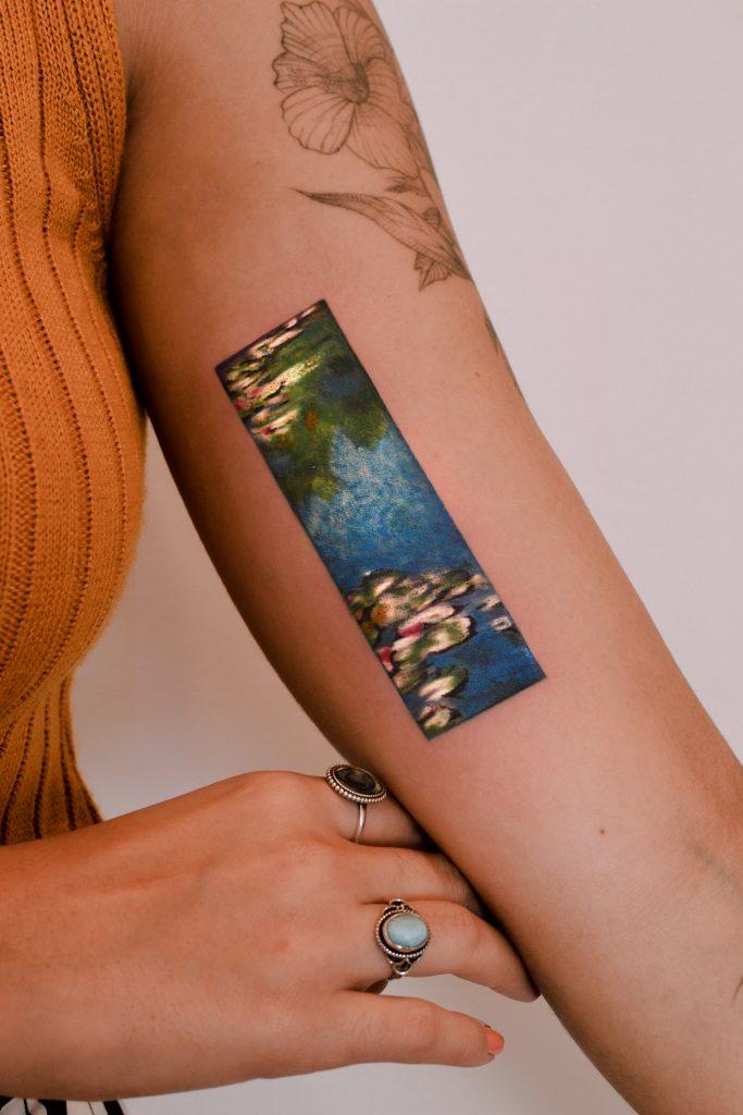 Foto de tatuagem feita por Marcela Badolatto (@marcelabadolatto)