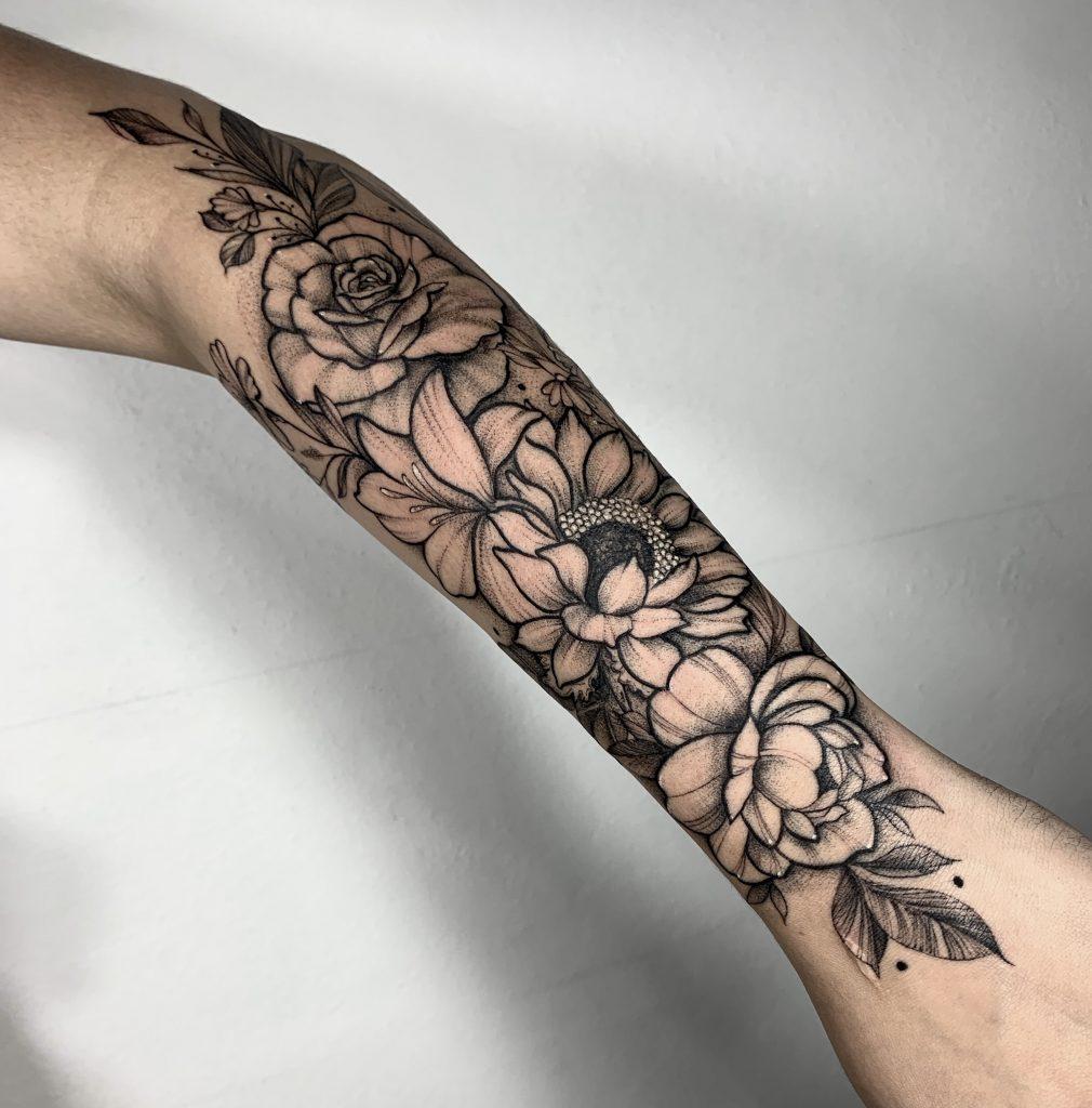 Foto de tatuagem feita por Jaqueline Arantes (@jaquelinetattoo)