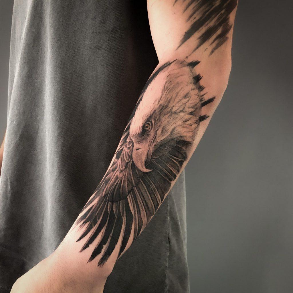 Foto de tatuagem feita por Apollo Ink (@ink.apollo)