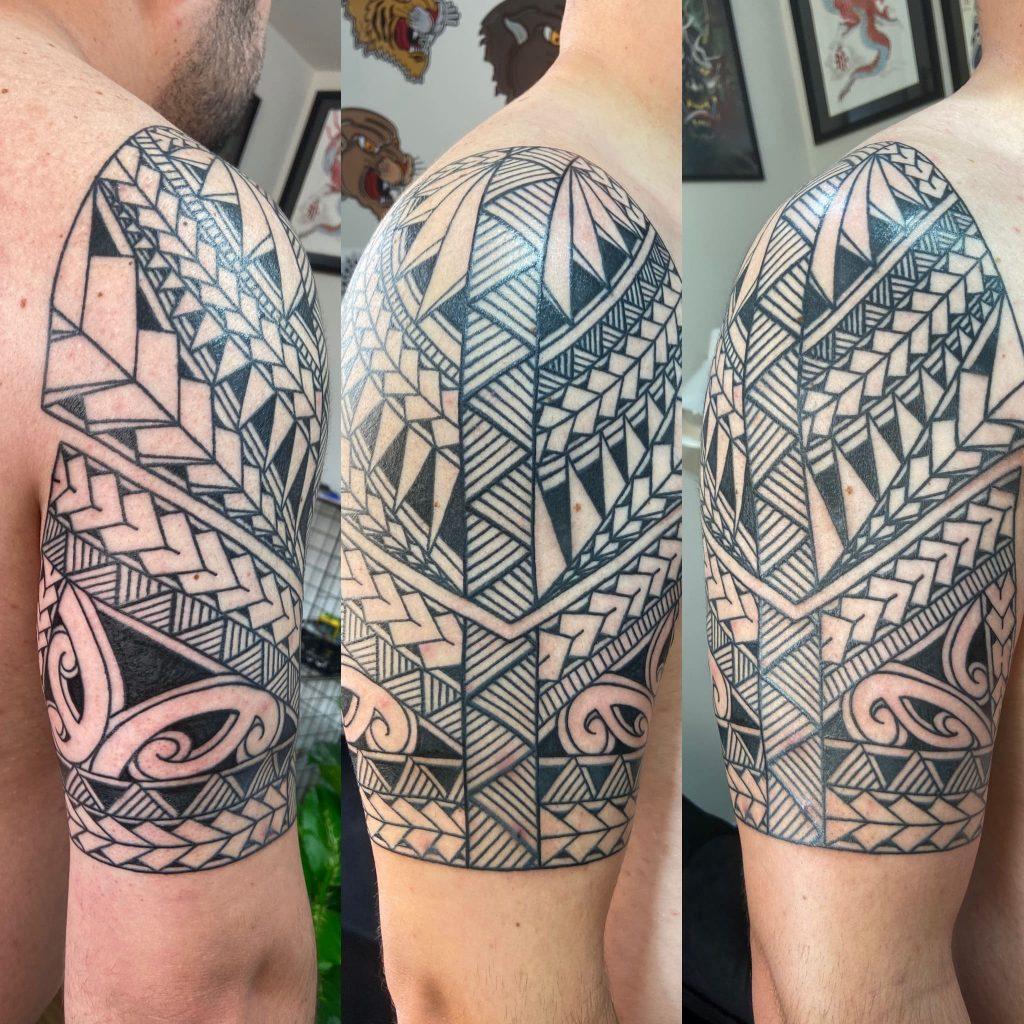 Foto de tatuagem feita por Elton Schoenau (@estonschoenau_tattoo)