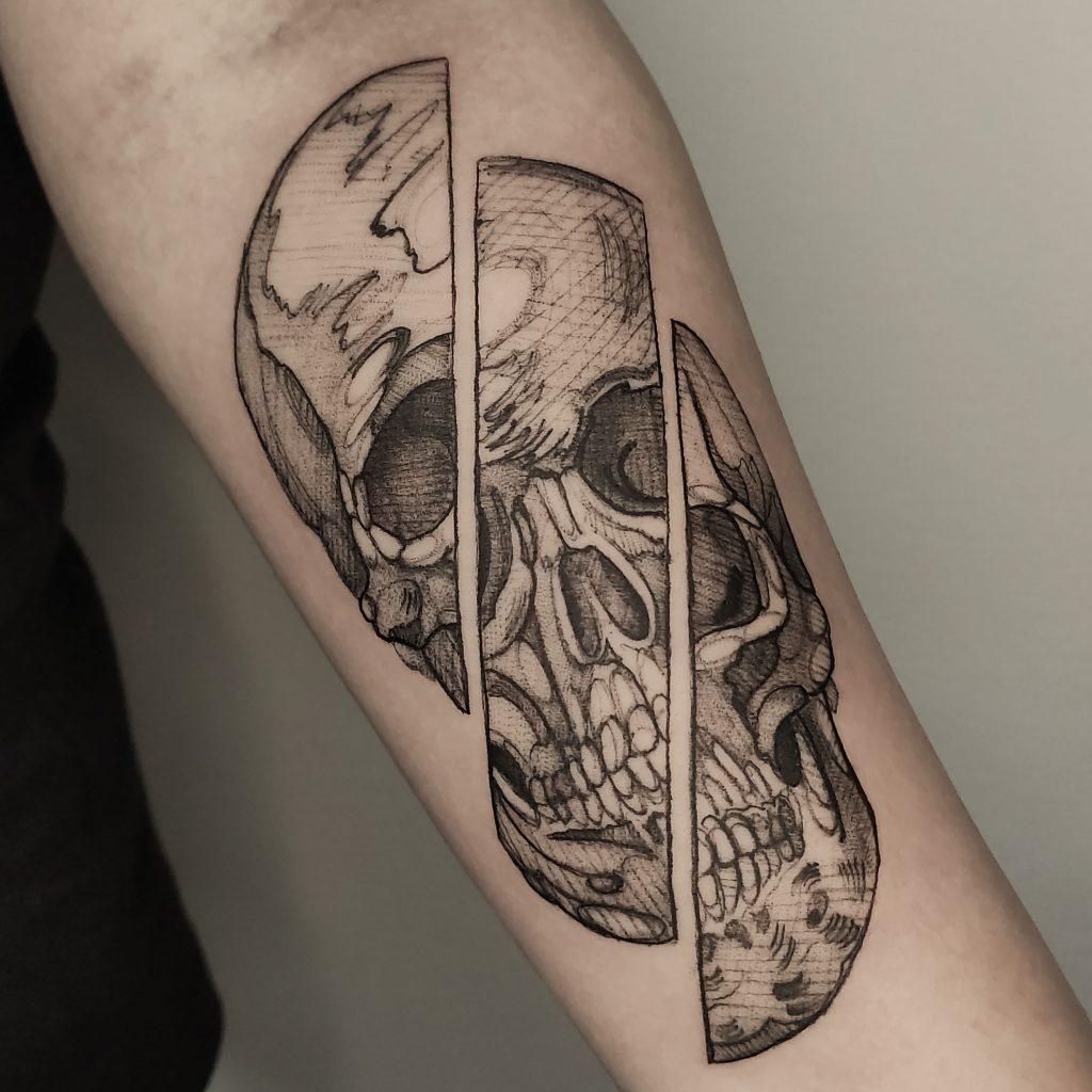 Foto de tatuagem feita por Henrique Travinski (@h.travinski)