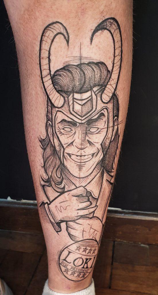 Foto de tatuagem feita por Serj Pinheiro (@pine_serjtattoo)