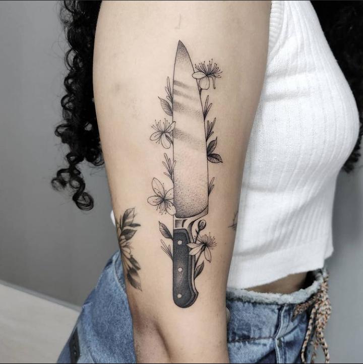 Foto de tatuagem feita por Gui Gibi (@gui_gibi)