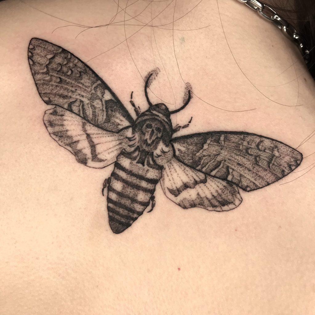 Foto de tatuagem feita por Estevão Ferreira (@estevaoftattoo)