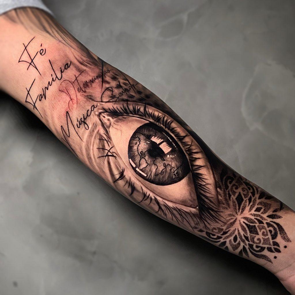 Foto de tatuagem feita por Patrick Alves (@patrickalvestattoo)